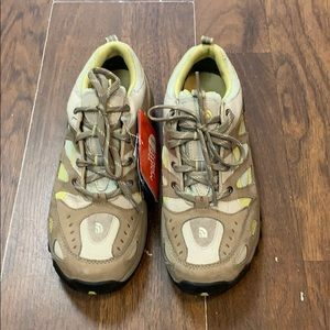 North Face hiking boots. Size 8